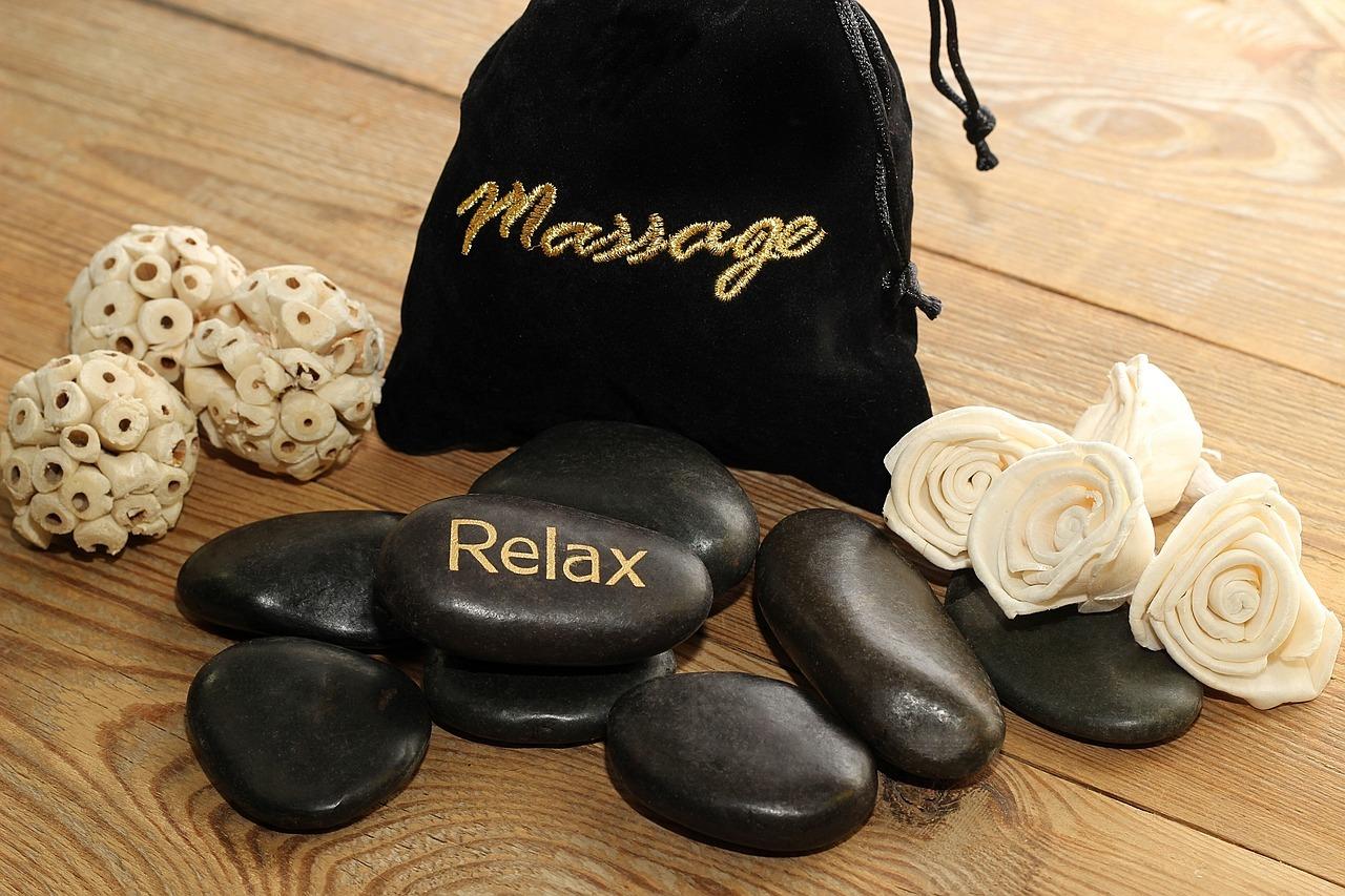 massage-3607837_1280.jpg
